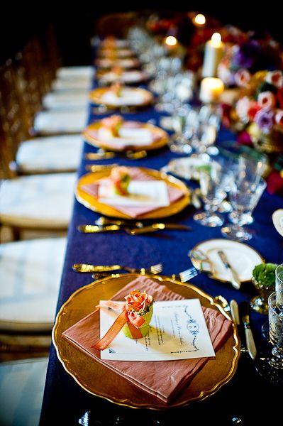 blue and gold wedding idea