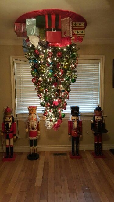 When Do Christmas Decorations Come Down In Spain : Best ideas about upside down christmas tree on