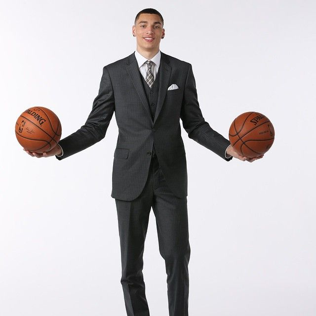 Slam Dunk Champion Zach LaVine tied all the way up in this classic three-piece look.
