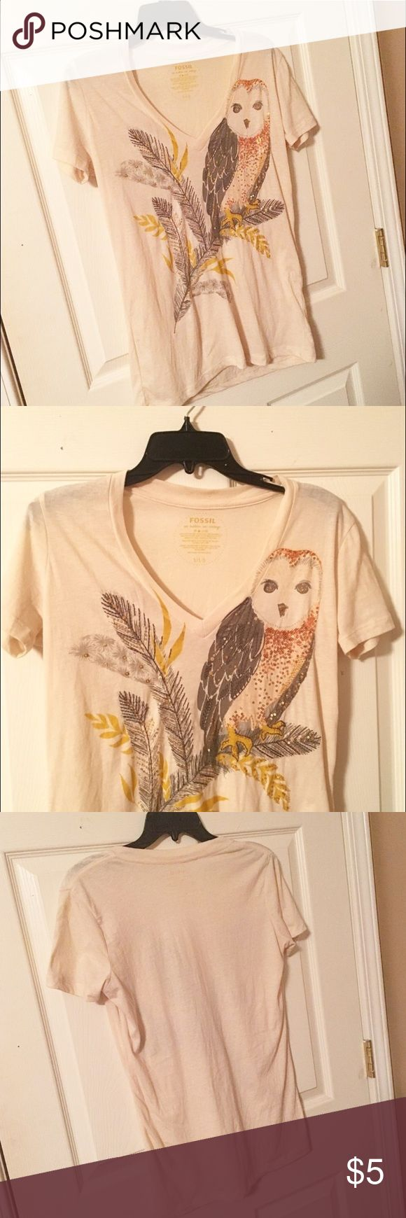 Fossil Owl T-Shirt Women's cream colored Fossil tee with owl design on it. Shirt design has beads and is very colorful! Lightweight material - great for spring! Warn twice and still in great condition! Authentic. No trades! Fossil Tops Tees - Short Sleeve