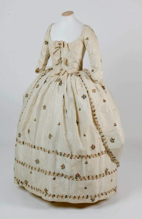 Gown & petticoat, British, silk, 1760. Springhill, County Londonderry. A stunning gown that depicts the fashions of the 1760s perfectly. The lady of the house at the time, Jean Hamilton, later Jean Conyngham, would have worn dresses such as this.