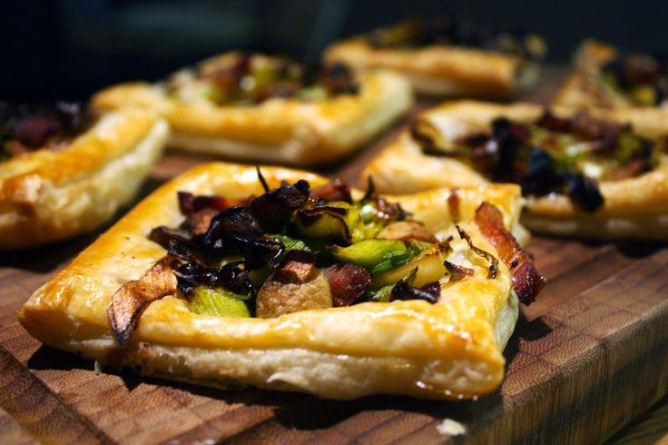 Minitærter med bacon, porre og champignon