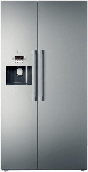Freistehende Kühlschränke amerikanischer Bauart.