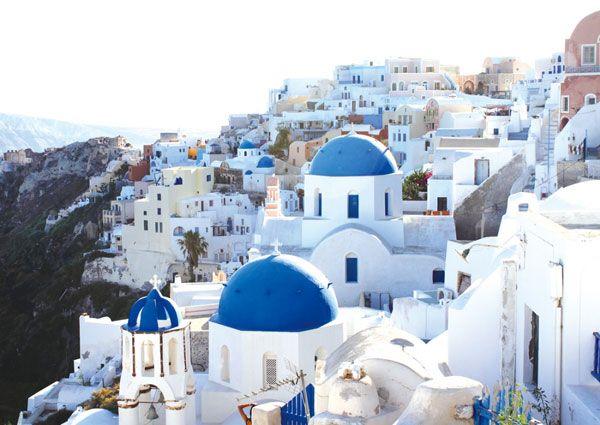 [Time Travel   그리스  산토리니]취재  성은주    Glam City in Europe  그리스  산토리니   TV CF 속 자전거를 탄 청순한 여배우가 흰색과 파란색으로만 가득한 거리를 지나는 장면을 기억하는…