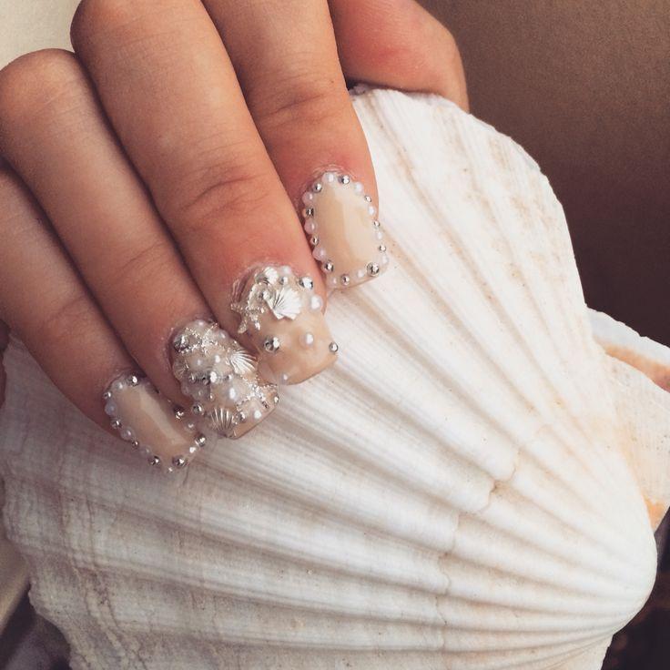 #nail #nails #beige #pearl #seastar #shell