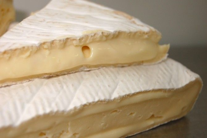 A Beginner S Guide To Every Type Of Cheese Types Of Cheese Fine Cheeses Easy Smoothie Recipes
