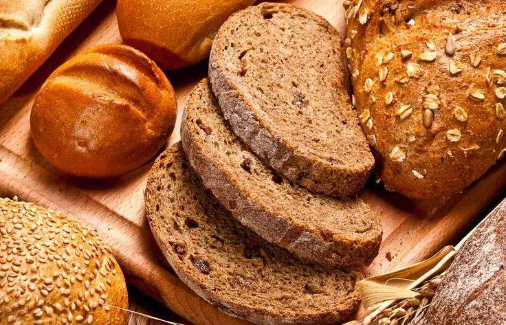 Pane integrale fatto in casa: ricetta base + altre #ricette sfiziose. Scopri come fare la pasta per il #pane #integrale fatto in casa, la #ricetta spiegata passo per passo, gli ingredienti ed alcune ricette facili e veloci per fare il #paneintegrale in casa.