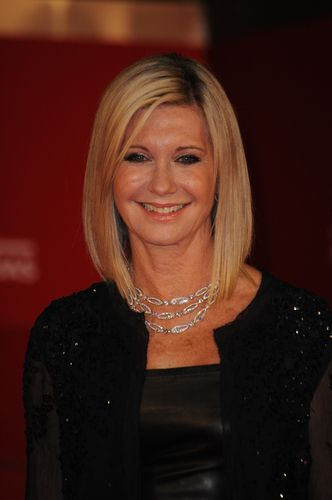 Kelly and Michael: Olivia Newton-John This Christmas & John Travolta