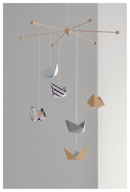 Best 25 origami mobile ideas on pinterest diy butterfly for Baby shapes mobile