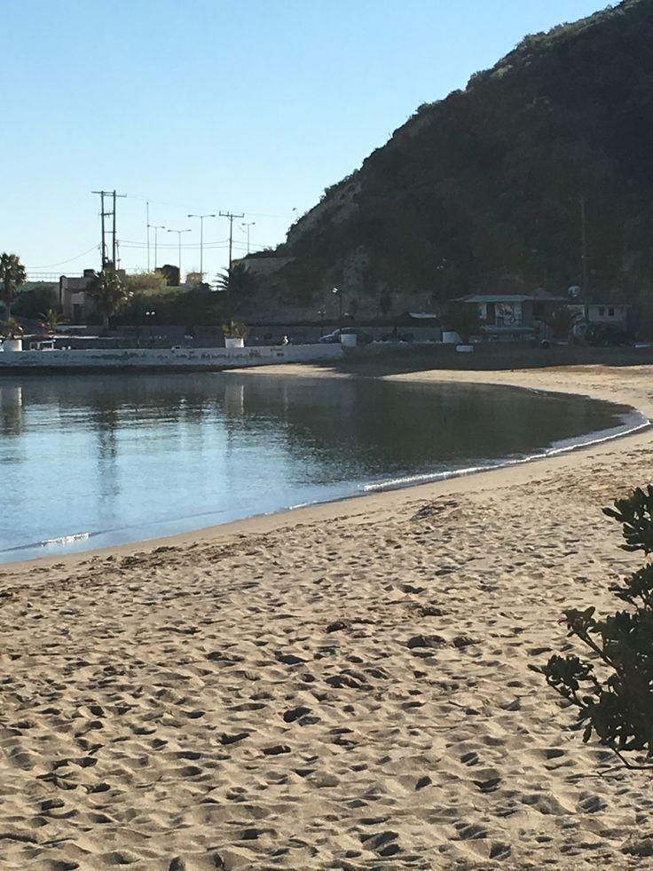 La plage d'Almyrida où se trouvent les appartements de la résidence ALMYRYDA SANDS