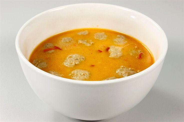 Суп с фрикадельками и перцем