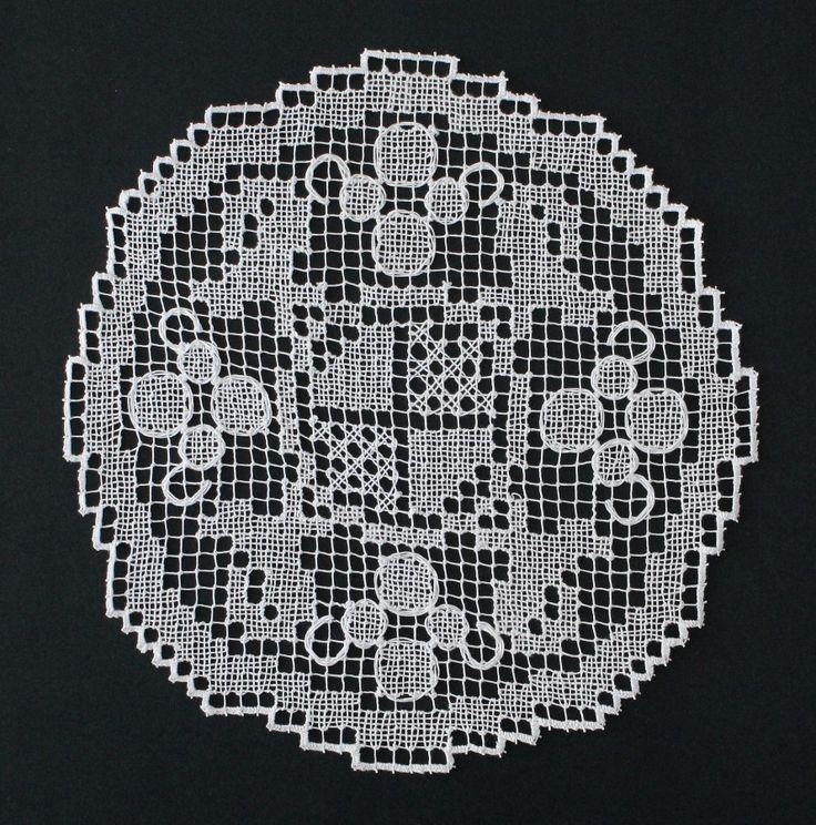 """Rececsipke """"kakasos kisterítő"""". (Cross stitch. Filet lace.)"""