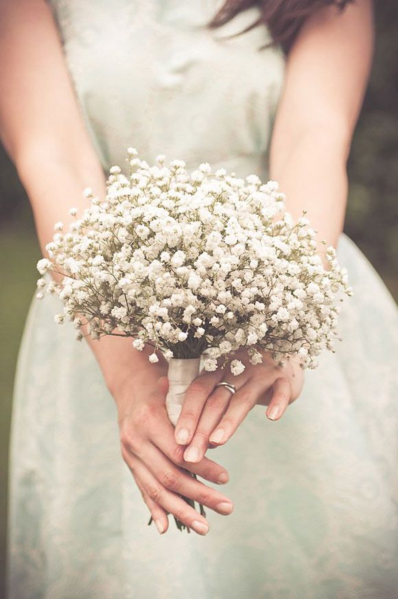 Ramos de novia con florecillas blancas