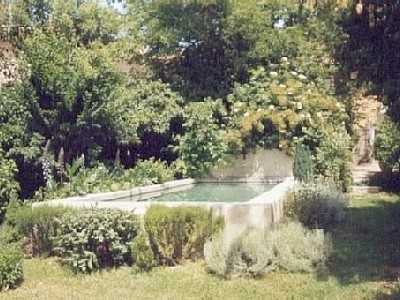 17 best images about maison jardin on pinterest to be - Piscine bassin exterieur aixen provence ...