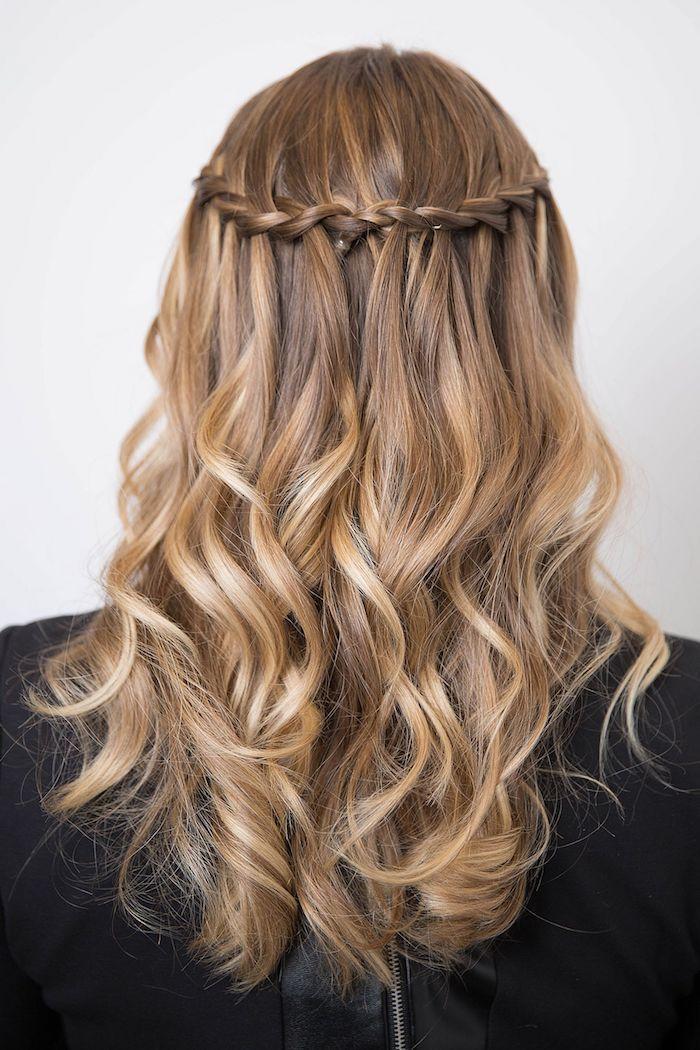 1001 Schnelle Und Leichte Frisuren Zum Nachstylen Leichte Frisuren Geflochtene Frisuren Flechtfrisur Lange Haare