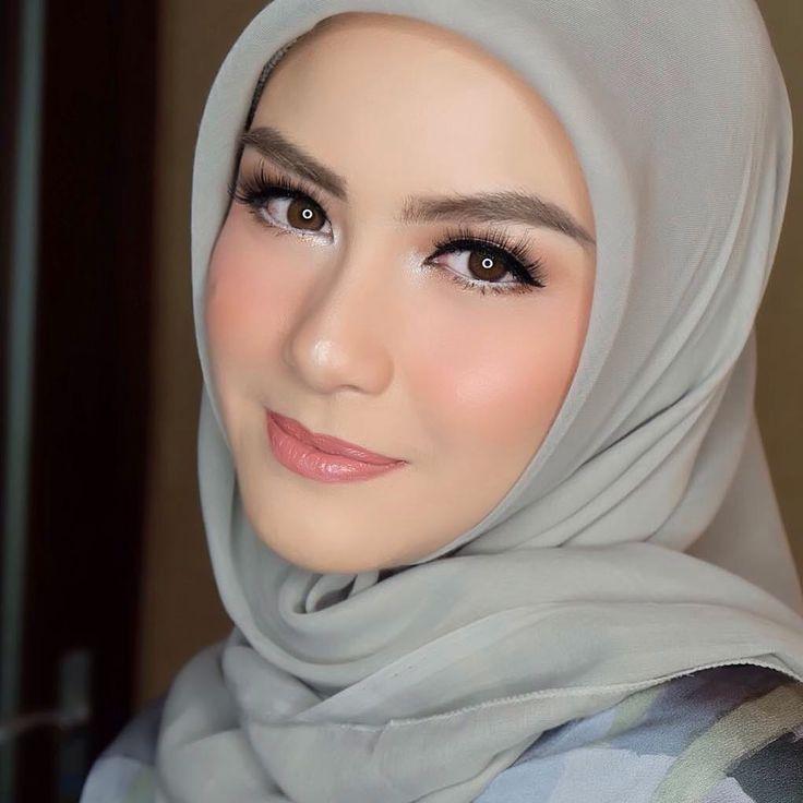 Make up by @petty_kaligis