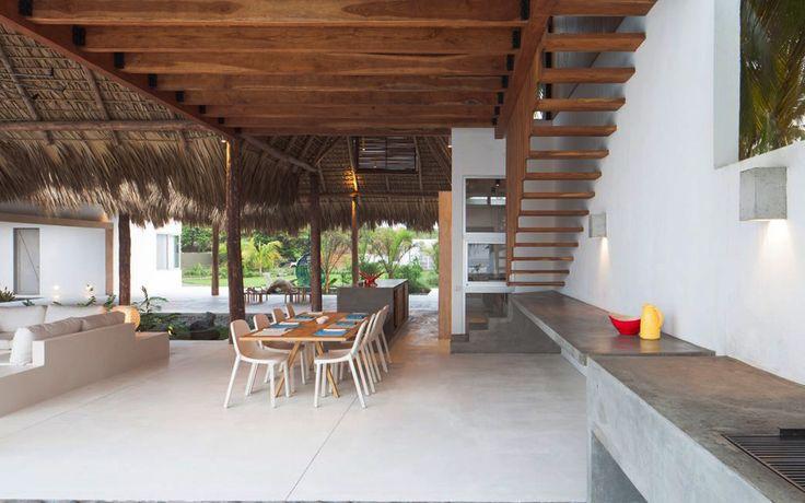Пляжный домик с бассейном