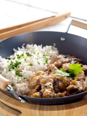 Ternera con salsa de ostras.  ¿Te gusta la cocina oriental? Anímate con esta original propuesta.   La receta: http://www.mujeresreales.es/cocina/internacional/articulo/ternera-con-salsa-de-ostras-731454665164