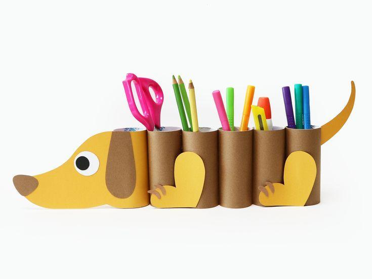 Organisateur de bureau pour chien à faire soi-même à partir de tubes en papier – projet pour enfants mignons!