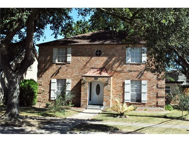 For Sale - See photos and descriptions of 4401 Wade Dr, Metairie, LA. This Metairie, Louisiana Single Family House is 4-bed, 3-bath, listed at $304,999  MLS# 2079669. Casas de venta en Metairie, LA.