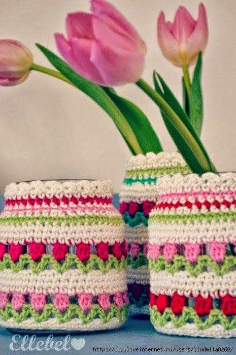 Hoje tem Flor !!!: Vasinhos decorados com crochê com gráfico