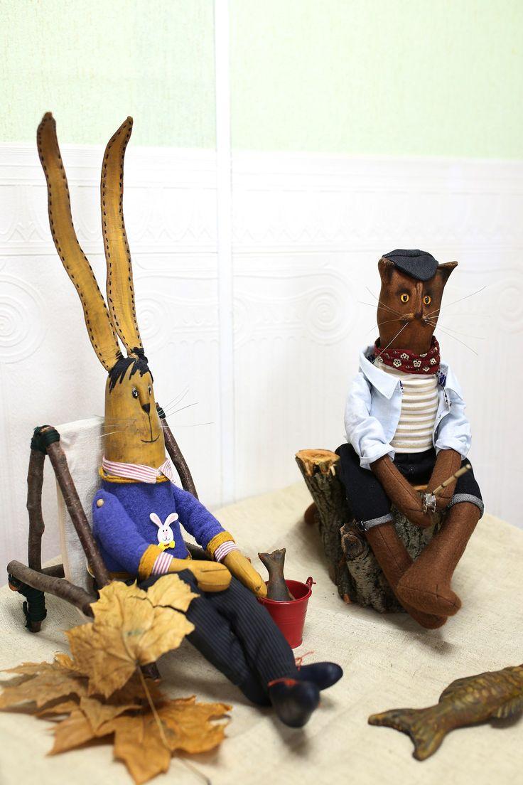 Заяц- ушастик, кот- рыбак.  Друзья решили отдохнуть!!! (грунтовый текстиль)  Автор: Надя Нико http://vk.com/nadya_niko
