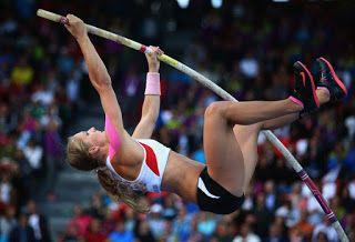 Blog Esportivo do Suíço:  Aos 21 anos, austríaca do salto com vara fica paraplégica após acidente no treino
