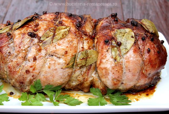 Pulpa de porc impanata cu usturoi