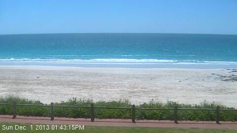BroomeCam.info - Live Webcam feed from Cable Beach in Broome.