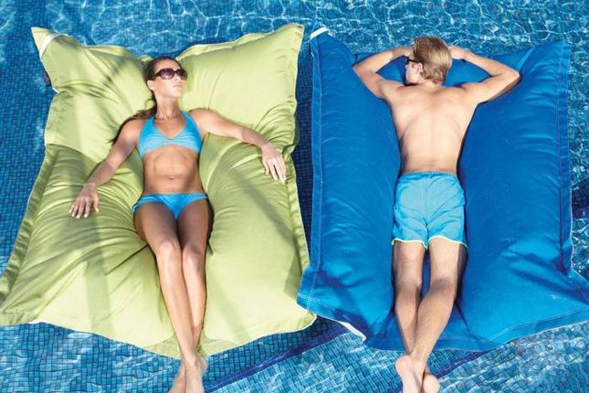 Giant Pillow Floats | 22 Ridiculously Awesome Floats
