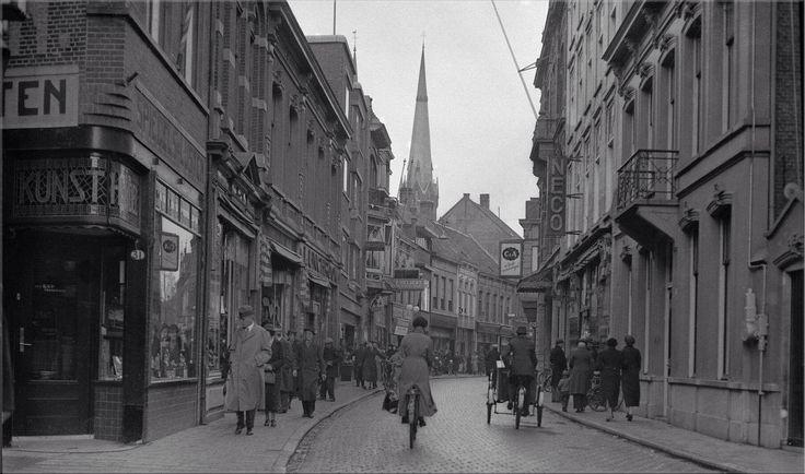 023 Heuvelstraat Tilburg 1937, richting Heuvel.