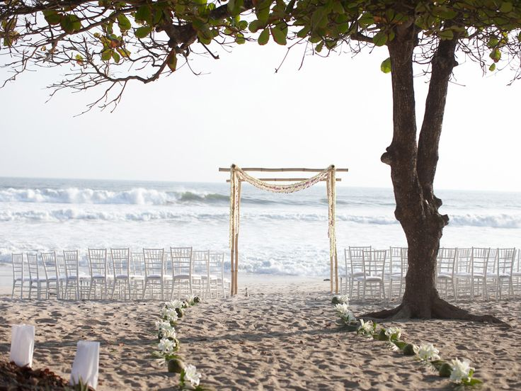 Why You Should Have a Destination Wedding | Photo by: Katherine Stinnett Photography  | TheKnot.com