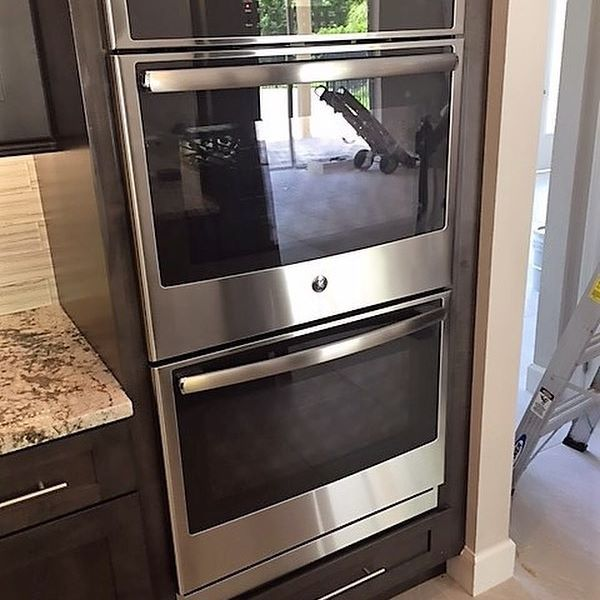 """Next for our @geappliances kitchen of the day is this beautiful 30"""" Built-In Double Wall Oven with ten pass bake element and heavy duty self cleaning racks 😍.  .  .  .   #GE #Milcarskys #milcarskysappliancecentre #milcarskysdeliveryteam #milcarskysinstallteam #instakitchen #funondeliveryday #professional #delivery #install #Orlando #Longwood #Central #Florida #MilcarskysCares #NoFilterNeeded #homeowners #Stainless #Stainless #Steel"""