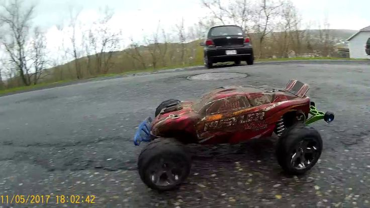 Traxxas Rustler VXl    84 kmh on anaconda tire