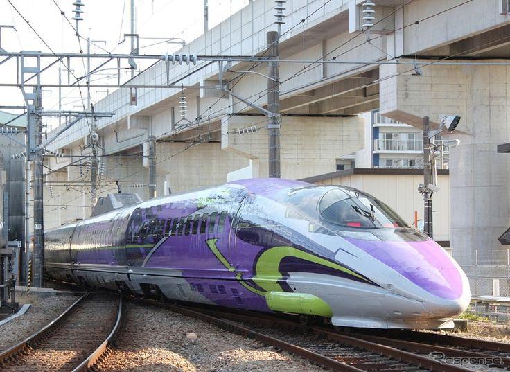 「エヴァンゲリオン」に似たデザインで装飾された山陽新幹線500系「500 TYPE EVA」。11月7日から新大阪~博多間で運行される。