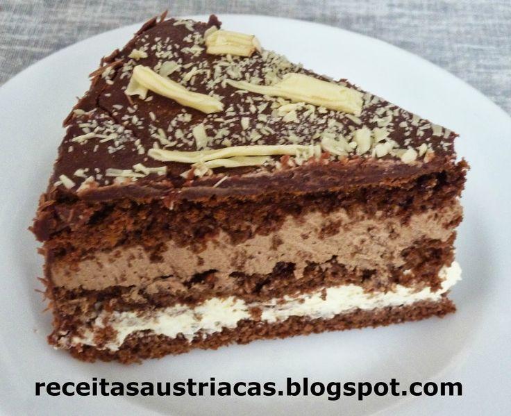 Receita alemã com origem italiana, muito leve, com sabor intenso do chocolate com café e um toque de licor Amaretto ou conhaque. Deliciosa!!...