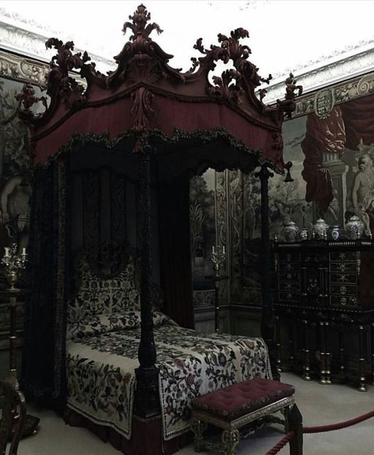Best 25+ Gothic Bedroom Decor Ideas On Pinterest