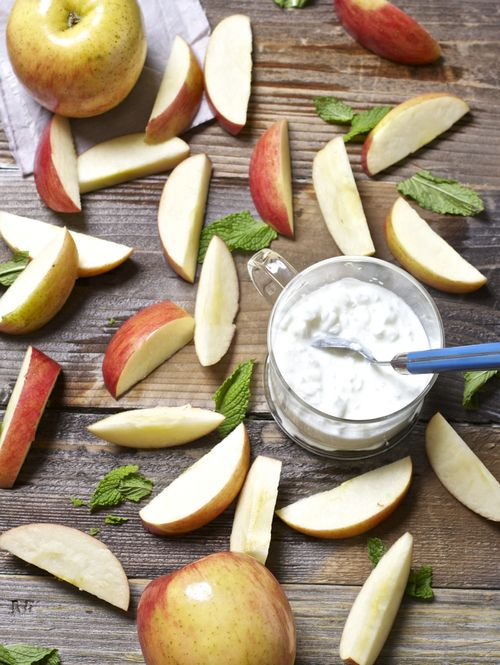 Apple, mint & cottage cheese puree