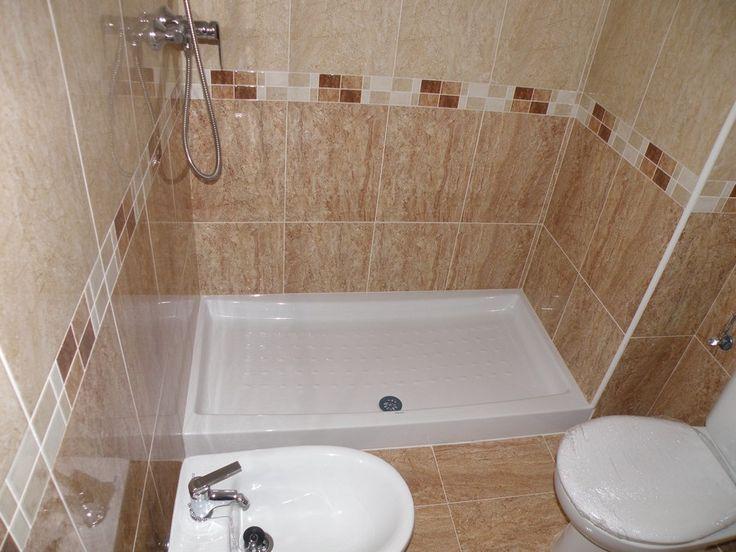 Modelos de banos en ny este es un modelo de bano para un for Revestimiento para banos pequenos