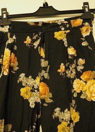 Kupuj mé předměty na #vinted http://www.vinted.cz/damske-obleceni/spolecenske-kalhoty/13413366-river-island-3638-kvetinove-boho-kalhoty