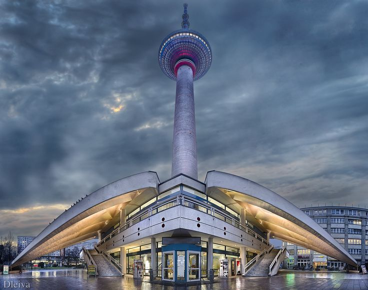 Photograph Alexanderplatz (Berlin, Germany) by Domingo Leiva on 500px