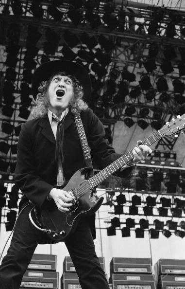 Singer and guitarist Noddy Holder of British band Slade performs on stage at the Monsters of Rock Festival held in Donington Park England on August...