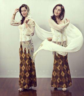 インドネシア・シンガポール・マレーシア・ブルネイ  ケバヤ アラブ系を取り入れた衣装