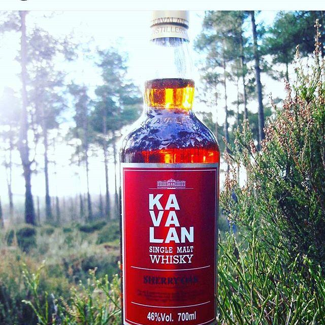 If you haven't seen @whisky_lit 's feed you're missing out! This @kavalanwhisky #bottle is impeccably #designed with a crisp red #label - #aiab2017 nominee!! #singlemalt #whisky