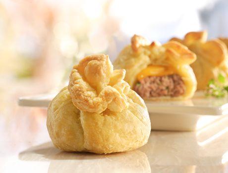 Συνταγές για μικρά και για.....μεγάλα παιδιά: Ιδέες για πάρτυ- πουγκάκια με μπιφτεκάκια!
