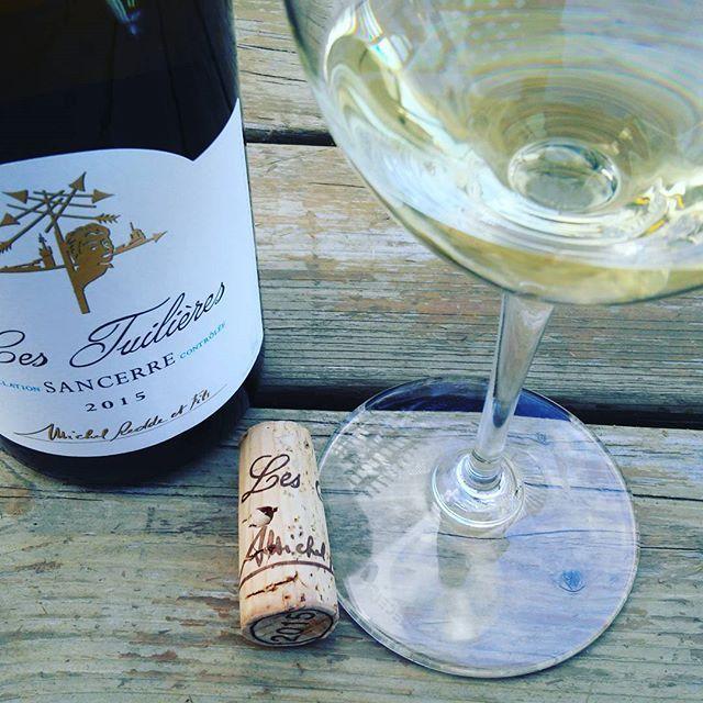 Et le voici #sancerre #vin #valleedelaloire #sauvignonblanc pour mon #saumon e. #accordmetsvins  #tchin #degustation #so...