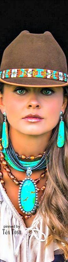 Cowgirls ♥ Western Wear.......Love it!