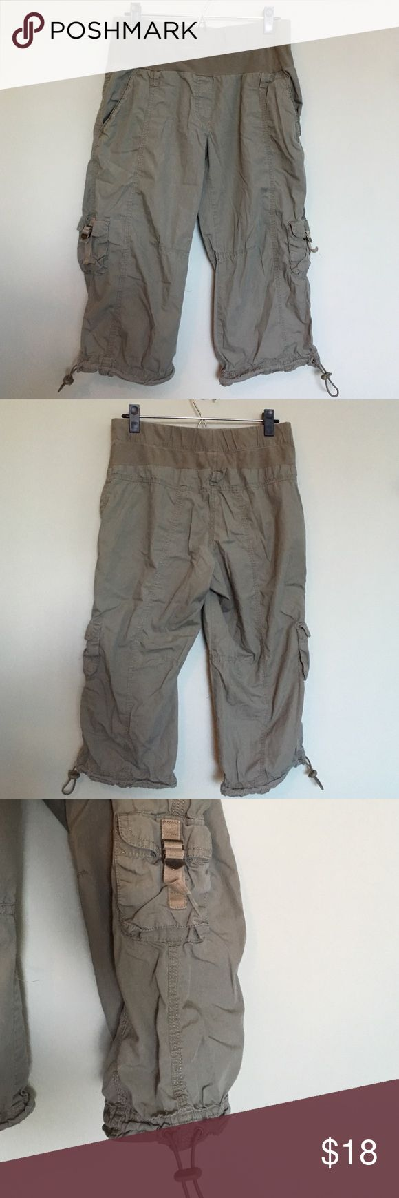 Maternity capris Green/kaki, light weight, great condition, pockets & drawstrings on legs Motherhood Maternity Pants Capris