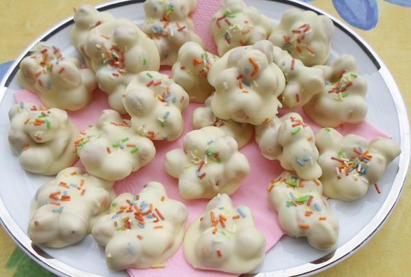 Λευκά ανώμαλα σοκολατάκια. Ανώμαλα με λευκή σοκολάτα για κάτι διαφορετικό!