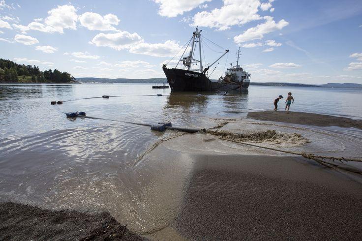 https://flic.kr/p/Jymw5g | Påfyll av sand på Oslos strender | Hvervenbukta